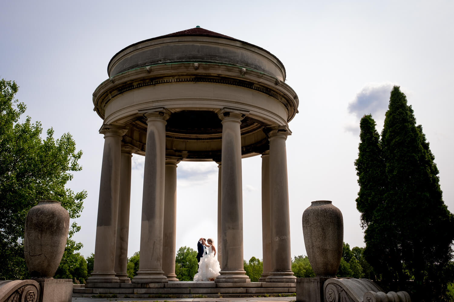 Philadelphia wedding photographer ALN IMAGES captures first look.